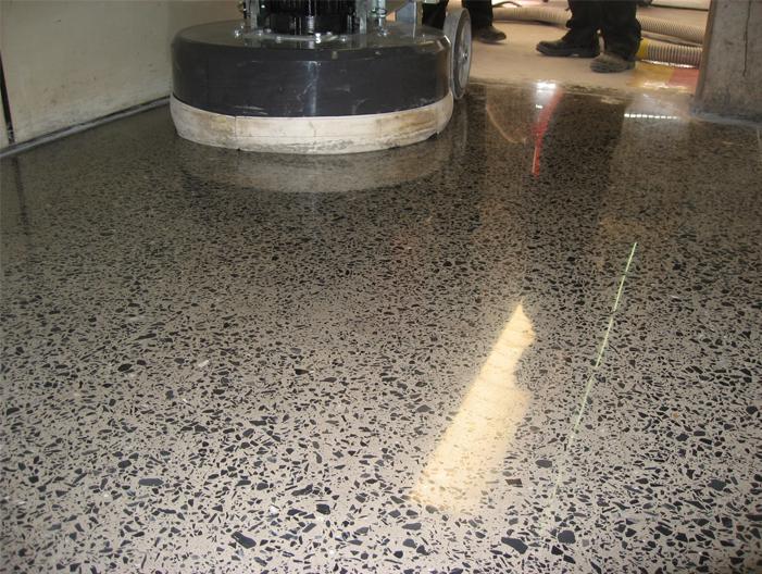 Pisos de concreto decorativo e industrial car interior - Pavimento de cemento ...